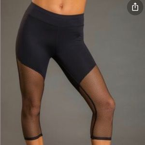 Ziane Active Black Cropped Leggings With Net Mesh